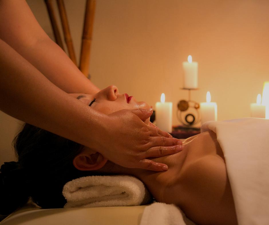 Senhora em Massagem de Relaxamento