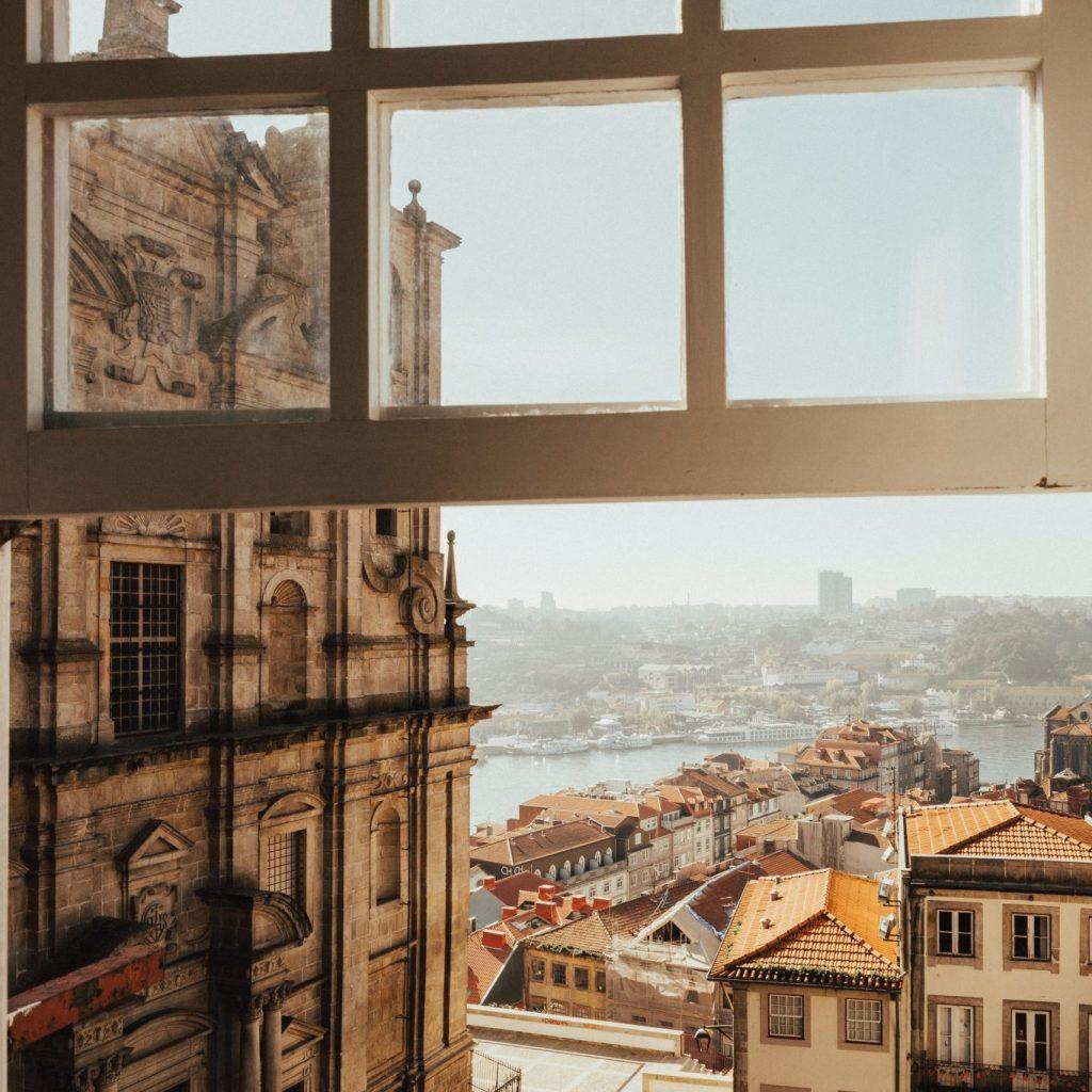 Rua do Porto vista da janela